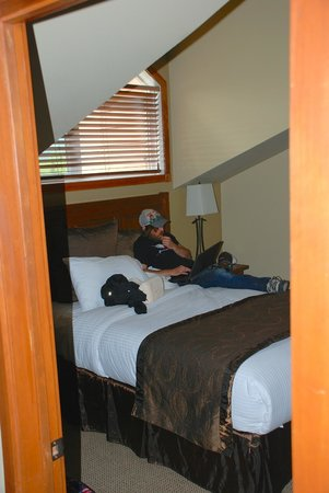 Falcon Crest Lodge by CLIQUE: 2nd bedroom-- queen size bed