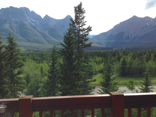 Falcon Crest Lodge: Directly outside balcony