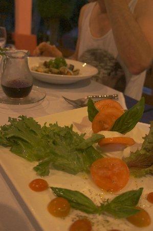 Marco Polo Resort & Restaurant: Dinner salad