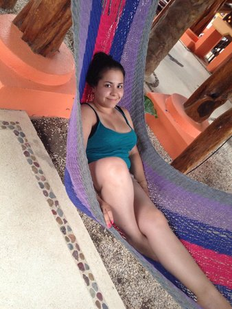 Samara Tree House Inn: Lounging in the hammocks