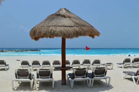 Krystal Grand Punta Cancun: pé na areia, simplesmente lindo