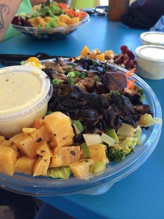 Joe's Farm Grill: Portabella Mushroom salad.