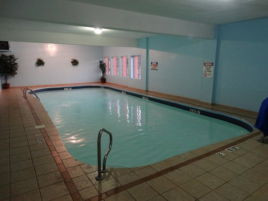 Best Western Mountaineer Inn : Pool