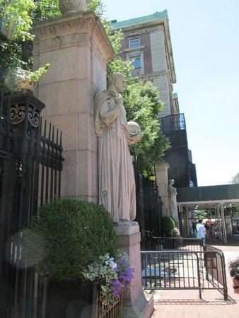 Columbia University: Entrance