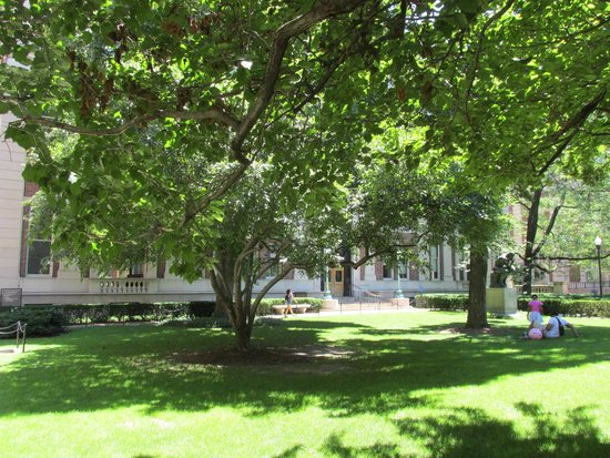 Columbia University: Grounds