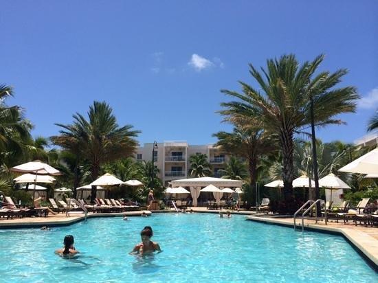 Key West Marriott Beachside Hotel: pool side!