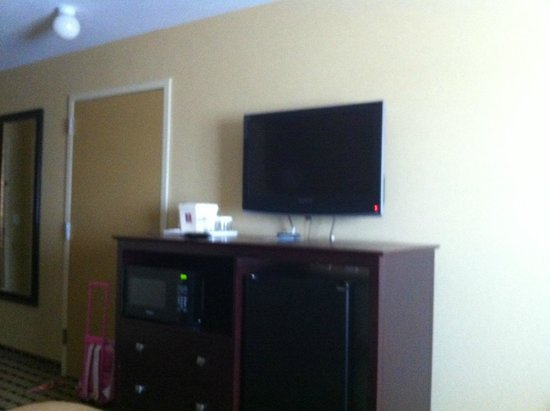 Clarion Inn & Suites Atlantic City North: room