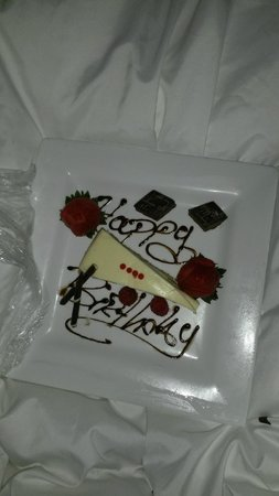 Renaissance St. Croix Carambola Beach Resort & Spa: Birthday cake sent to my room