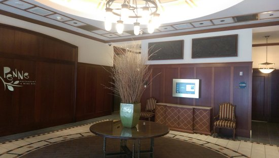 Hilton Inn at Penn: Lobby
