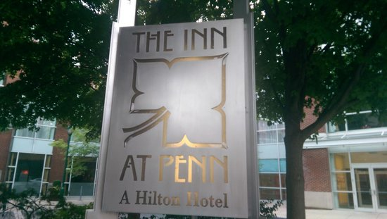 Hilton Inn at Penn: Entrance