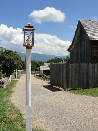 Luray Caverns : Luray Valley Museum grounds
