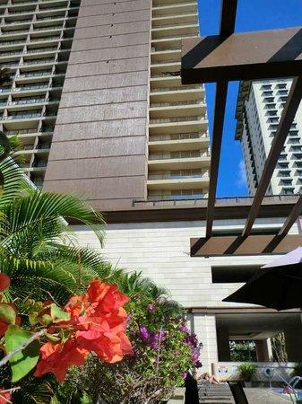 Wyndham Royal Garden at Waikiki : ロイヤルガーデン裏側