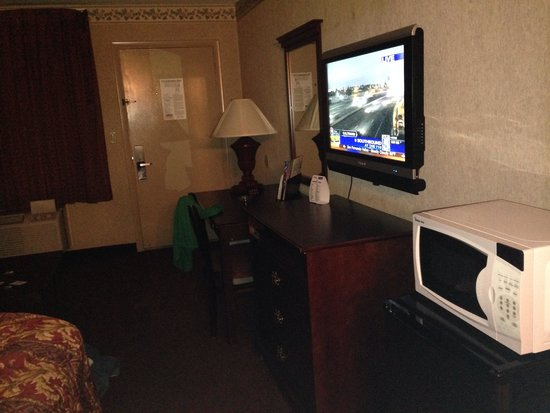 Econo Lodge Miles City : Just a nicely equipped clean room