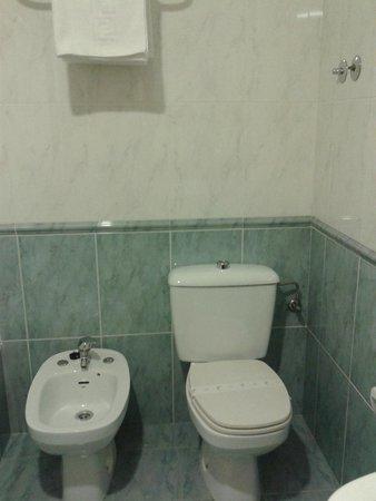 San Glorio Hostal: Banheiro