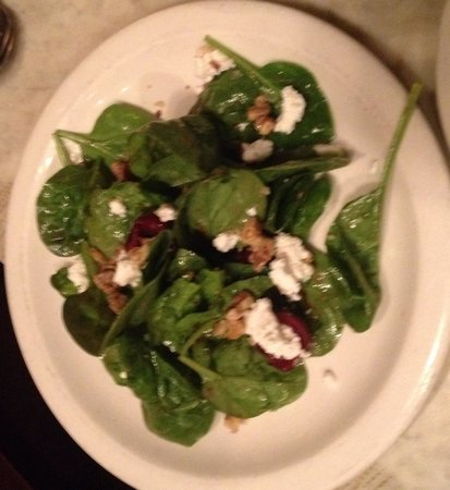 Street and Co. : Spinach goat cheese salad