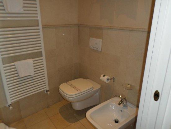 Hotel Le Isole: Bathroom