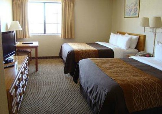 Comfort Inn Moreno Valley near March Air Reserve Base: 2 Queen beds