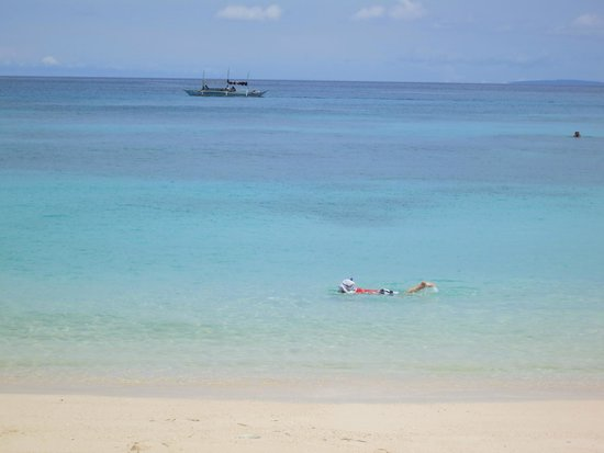Shangri-La's Boracay Resort & Spa: Snorkeling at the private beach