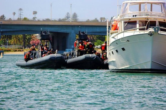 San Diego Seal Tours: Navy Seals - refueling