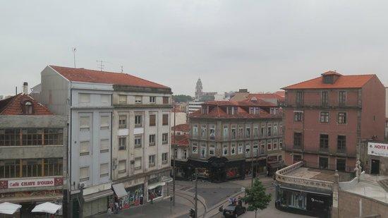 Moov Hotel Porto Centro : View from room 324