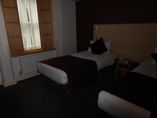 Strand Palace Hotel: Twin Room
