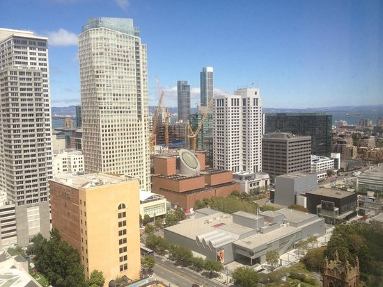 San Francisco Marriott Marquis: The view of Downtown from our room