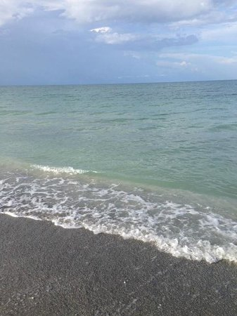 Silver Sands Gulf Beach Resort: the beach