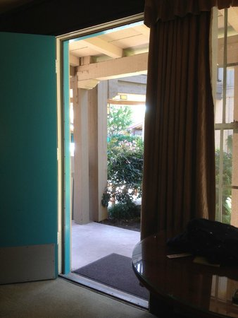 El Pueblo Inn: View from the room