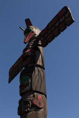 Duncan Totem Poles: Totems