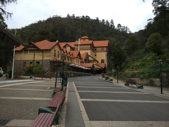 Jenolan Caves House: The hotel