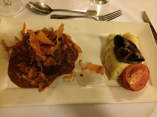 Jenolan Caves House: 1970s-inspired but delicious dinner