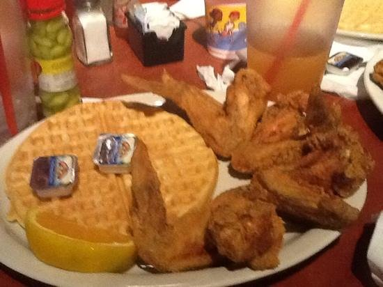 Gladys Knight's Chicken & Waffles Concepts : midnight train
