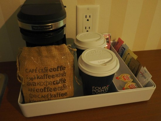 Four Points by Sheraton Prince George : In-room coffee maker with complimentary coffee and tea