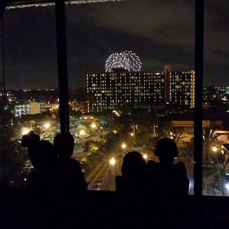 Clarion Hotel Anaheim Resort: Disneyland Fireworks