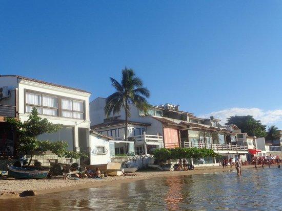 Praia Canto: Casas em frente a Praia do Canto