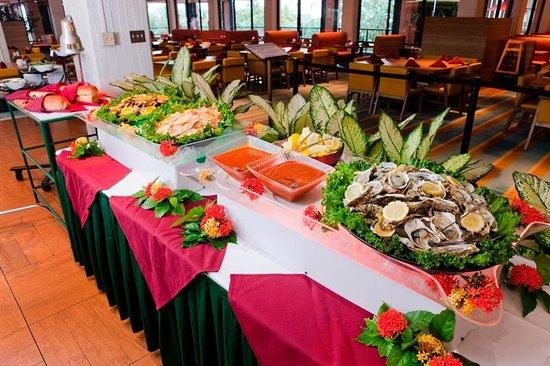 Pacific Islands Club Guam: Skylight