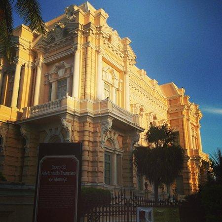 Paseo de Montejo : Una vieja casona convertida en Museo