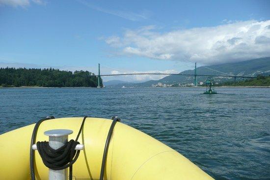 Sea Vancouver: Heading west toward the Lion's Gate Bridge!