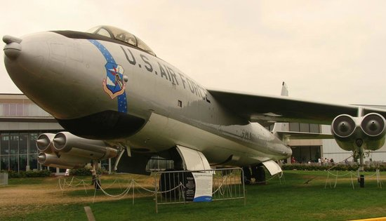 The Museum of Flight : Military aircraft on display.