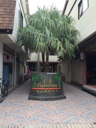 P. P. Palm Tree Resort: Front