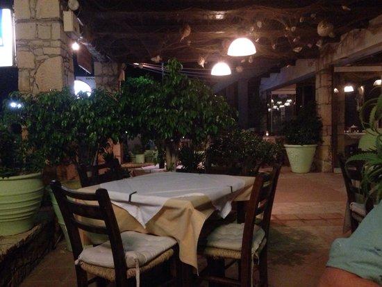 Thea Restaurant: Приятная атмосфера