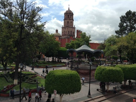 Foto de hotel plaza queretaro city jardin zenea for Jardin zenea queretaro