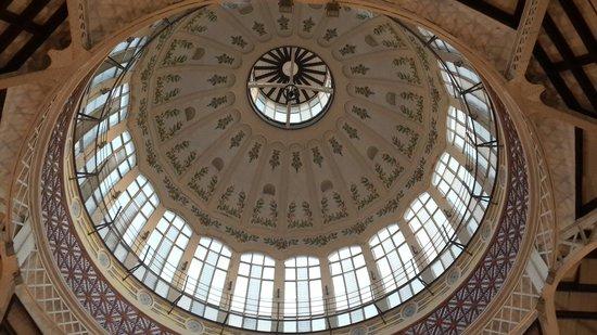 Plaza del Mercado (Plaça del Mercat): The dome inside