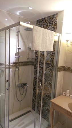 Port Hotel Tophane-i Amire: bagno