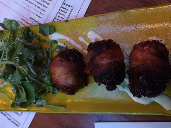 Sugarcane: Dates wrapped in bacon