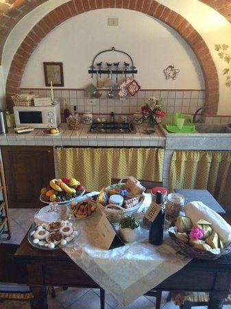 Le Casine di Castello: A greeting of culinary delights.