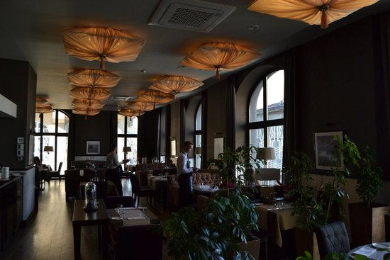 Astoria Hotel: Charming Dining room