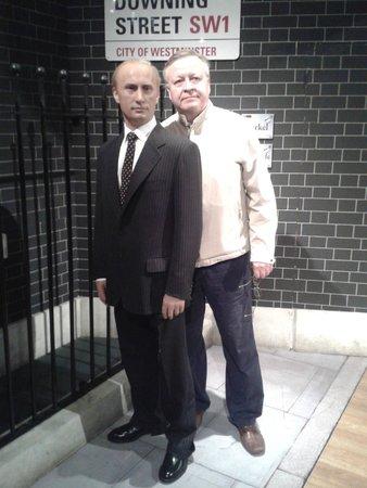 Madame Tussauds London: Где ещё постоишь рядом с любимым Президентом.