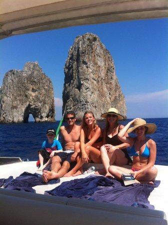 """Noleggio barche Lucibello: Famous rock in Capri """"faraglioni"""""""