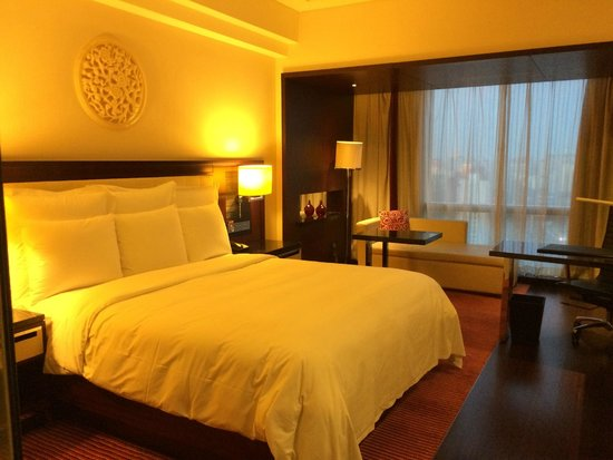 Renaissance Beijing Capital Hotel : Bed was comfortable and clean